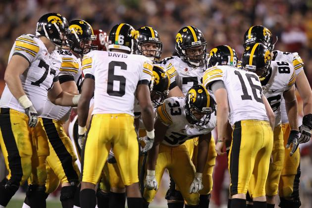 Iowa Football: Teamwork Could Be Difference in 2012 Season