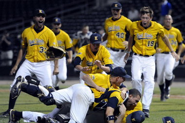 College World Series 2012: Offense Key to Victory for Kent St. vs. S. Carolina