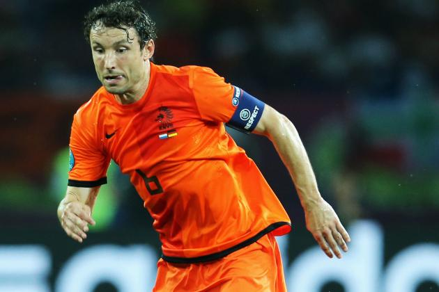 Dutch Captain Van Bommel Quits Internationals
