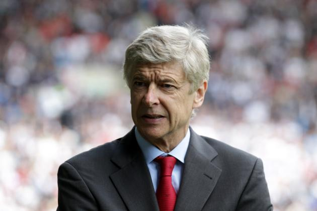 Arsenal Transfer News: Arsene Wenger Slams Potential Robin Van Persie Move