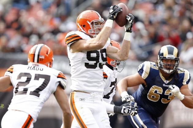 "Scott Fujita Thinks the NFL Has ""very Little Regard for the Truth"""