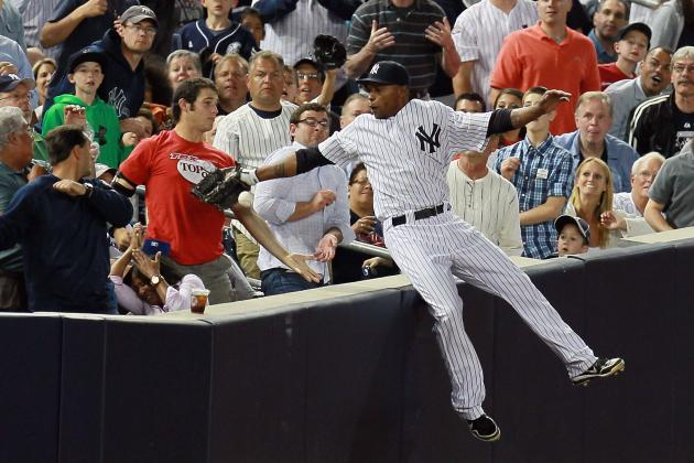 Dewayne Wise Fakes Catch, Umpire Misses Call as Yankees Fan Displays Foul Ball