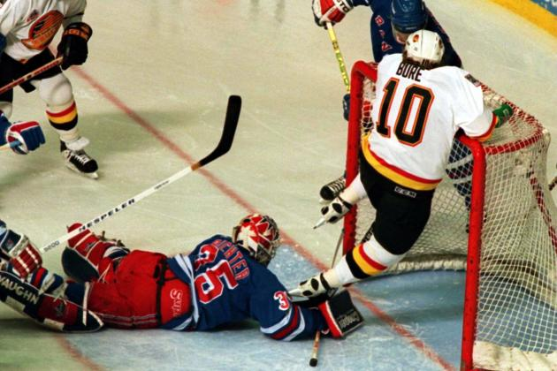 Hockey Hall of Fame: Vancouver Canucks Must Now Retire Pavel Bure's Number 10