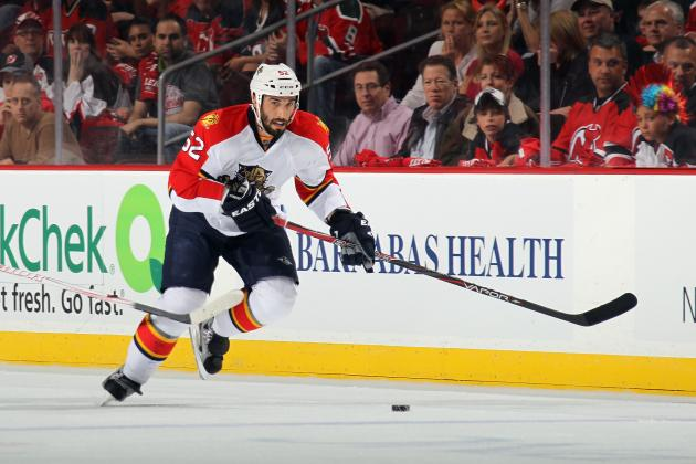 NHL Free Agents 2012: Vancouver Canucks Sign Jason Garrison to 6-Year Deal