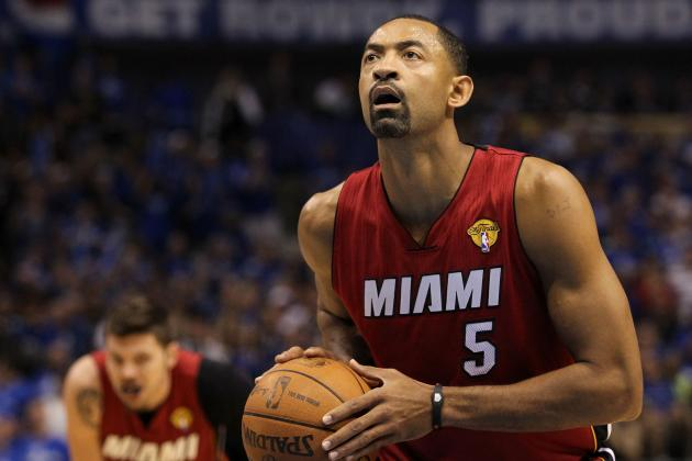 Juwan Howard Does the Cabbage Patch to Celebrate