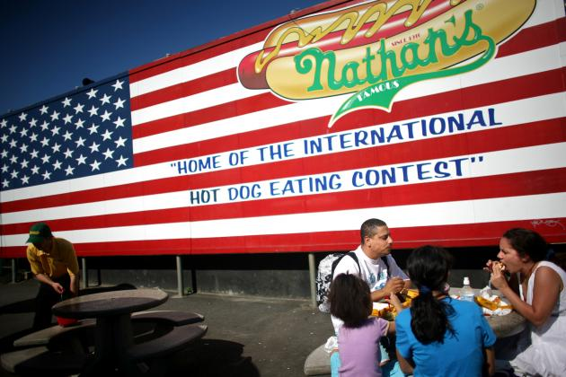 Nathan's Hot Dog Eating Contest 2012: Predicting Results for Top Competitors