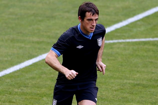 Everton Left-Back Leighton Baines Cool on Manchester United Link