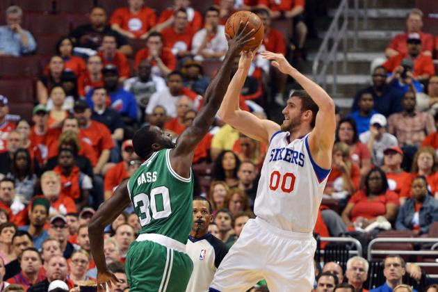 NBA Free Agency 2012: Philadelphia 76ers Re-Sign Spencer Hawes