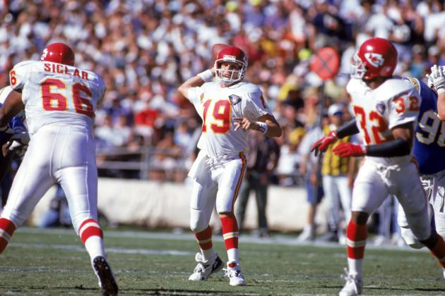 Peyton Manning and Joe Montana: Comparing Big Moves in NFL History