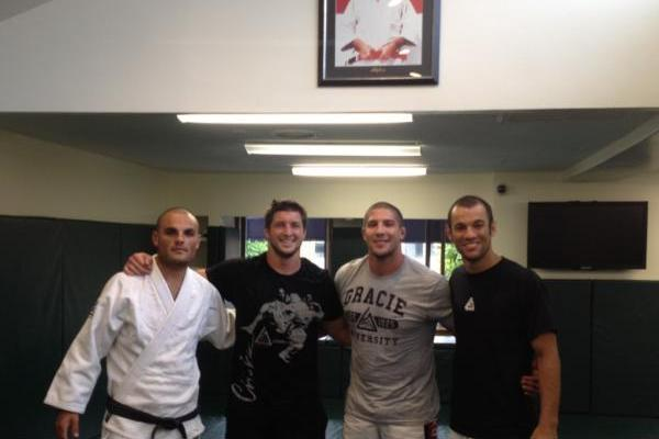 Tim Tebow Training MMA with Gracie Jiu-Jitsu