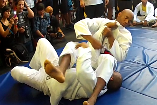 UFC 148: Divalicous Anderson Silva's Wild and Wacky Prefight Workout