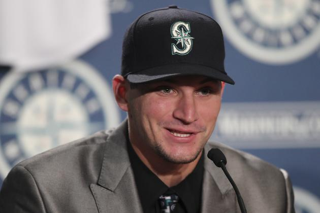 MLB: Mike Zunino Wins Golden Spikes Award