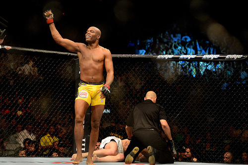 Silva vs. Sonnen 2: Was Anderson's Win Controversial?