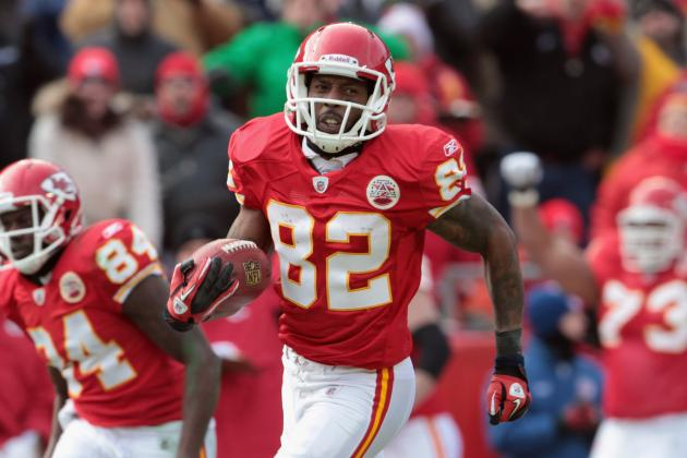 Dwayne Bowe: Will He Sign with the Kansas City Chiefs This Week?