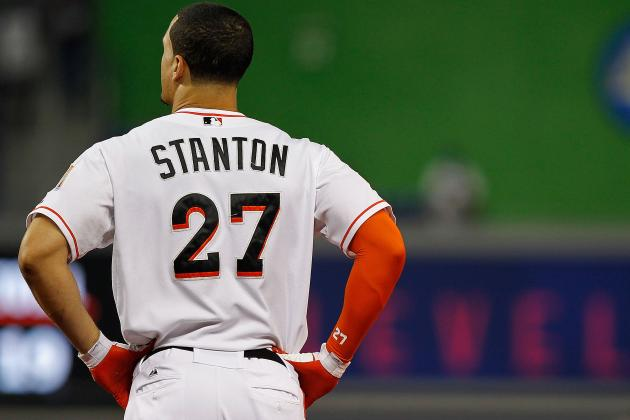 Marlins' Stanton Undergoes Knee Surgery