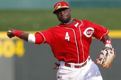 Rawlings Sues Wilson for Manufacturing Gold Glove Used by Brandon Phillips