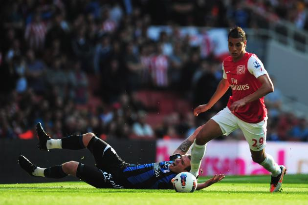 Arsenal Transfer News: Why Marouane Chamakh Should Stay with Arsenal