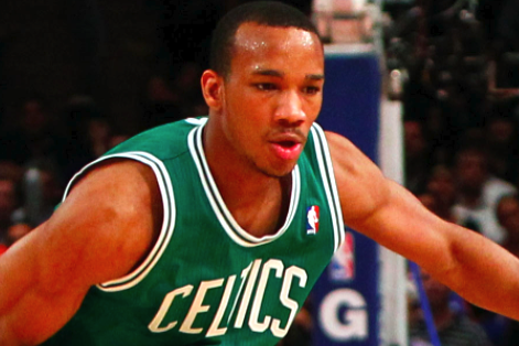 Avery Bradley's Surgery a Success, but When Will He Be Ready to Play?