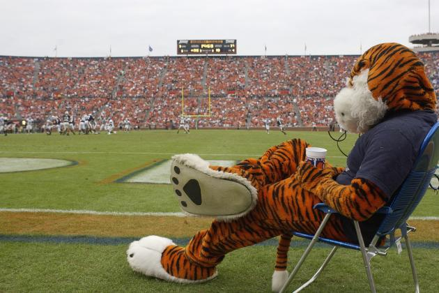 Auburn Football: Can the Auburn Tigers Catch Lightning in a Bottle for 2012?