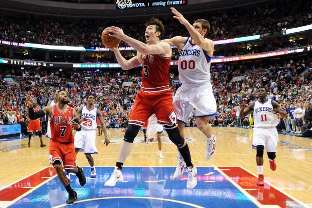 Chicago Bulls: Why Keeping Omer Asik Is the Right Move
