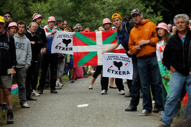 Tour De France 2012 Shows the Downside of Cycling Fans' Close Proximity