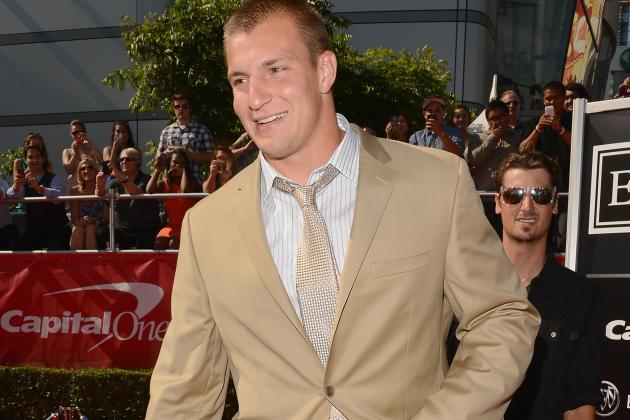 Patriots' Rob Gronkowski Would Be Perfectly Fine with Respectful Gay Teammate