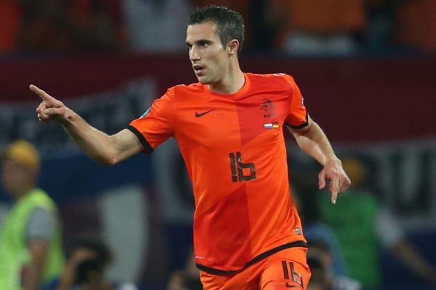 Arsenal Reject Offer from Manchester United for Robin Van Persie