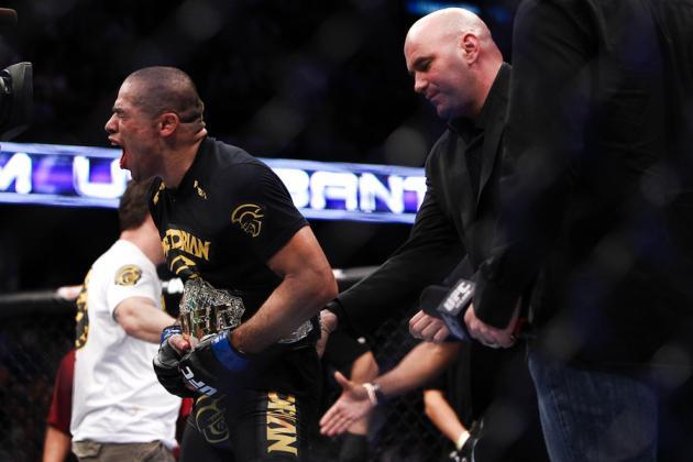Urijah Faber vs Renan Barao: Should Barao Defend His Belt or Wait for Cruz