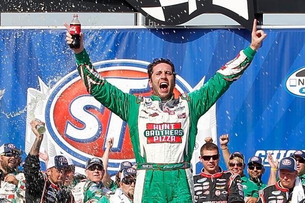 Elliott Sadler Backs into NASCAR Nationwide Series Win in Chicago