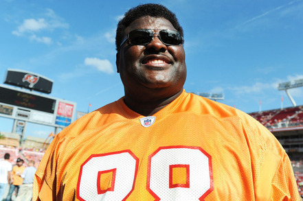 Buccaneer Great Jimmie Giles Predicts 10-6 Season in 2012