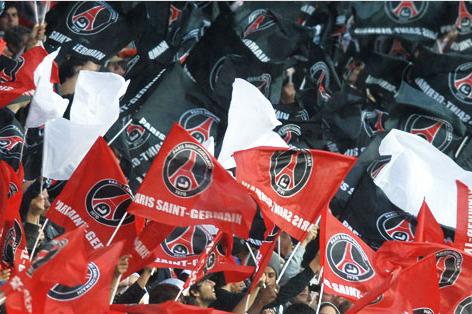 Paris Saint-Germain: Une Saison En Rouge Et Bleu