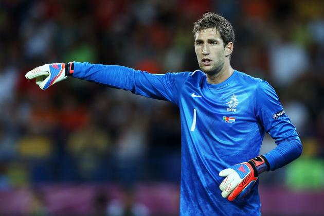 Why Totteham Should Buy Roma Goalkeeper Maarten Stekelenburg