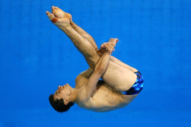 London 2012: German Diver Stephan Feck Back Flops into the Pool