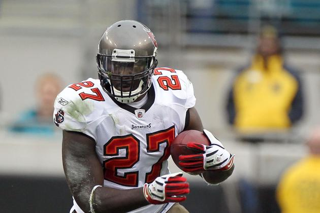 Bucs' LeGarrette Blount and Martin Will Share Rushing Duty