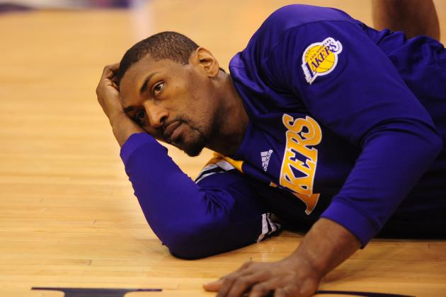 Should Los Angeles Lakers Start Antawn Jamison or Metta World Peace?