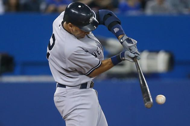 Derek Jeter Catches Hank Aaron's Hit Record