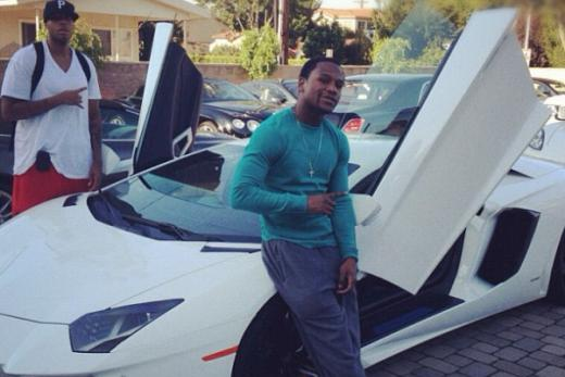 Floyd Mayweather Buys Lamborghini Aventador