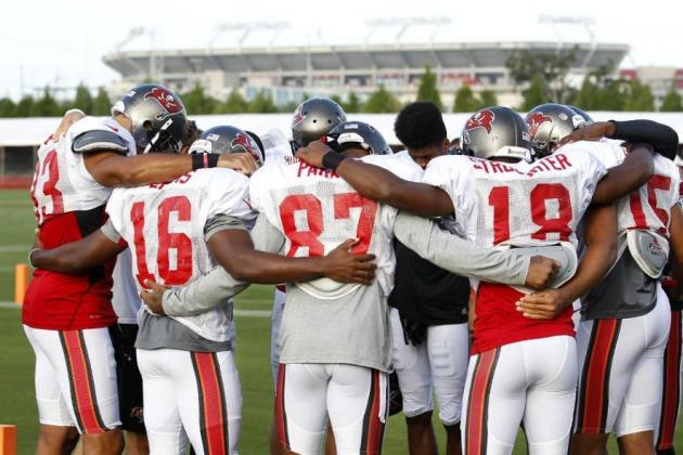 Tampa Bay Buccaneers Swelter Through 12th Padded Practice