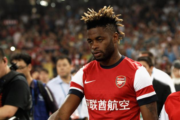 Arsenal Transfer News: Gunners Can't Afford to Lose Alex Song