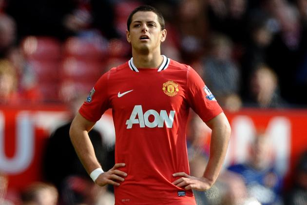 Manchester United: How Does Robin Van Persie Transfer Affect Chicharito?