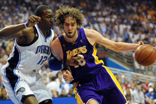 Dwight Howard or Pau Gasol, Who Should Be the Lakers' Second Offensive Option?