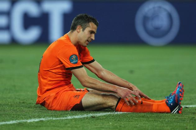 Robin Van Persie's Signing Doesn't Gloss over Manchester United's Weaknesses