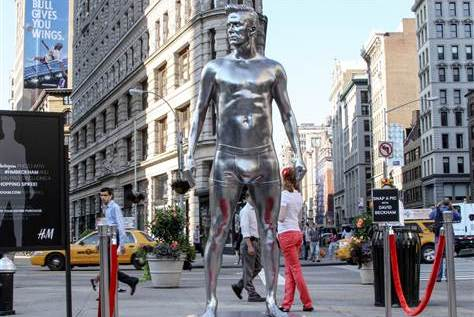 David Beckham H&M Statue Picture Contest Brings Expected Level of Maturity