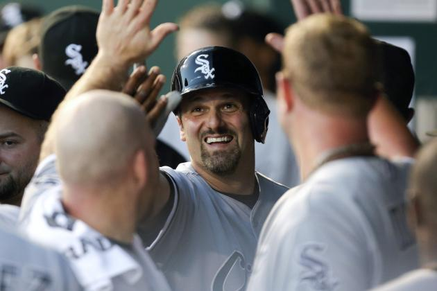 Chicago White Sox: Paul Konerko and Hector Santiago Return to the 25-Man Roster