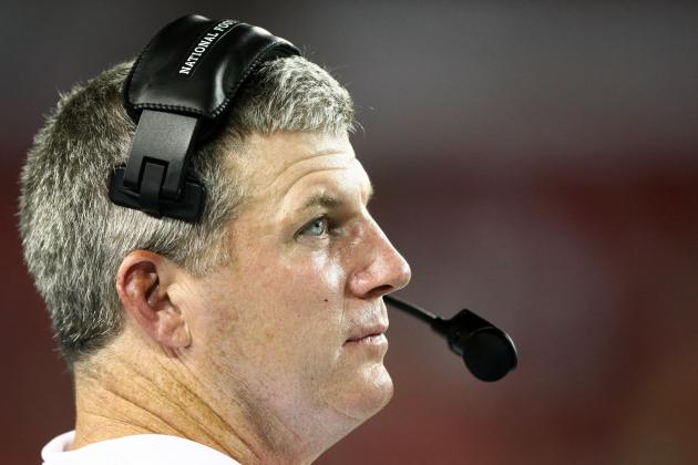 Why Mike Munchak Must Wait to Name Tennessee Titans' Starting QB