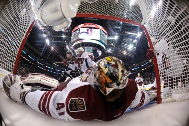 Phoenix Coyotes: Will Mike Smith Contend for the Vezina Trophy in 2012-13?