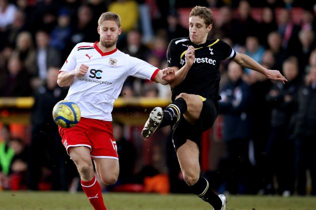 QPR Agrees to Fee for Tottenham Defender Michael Dawson