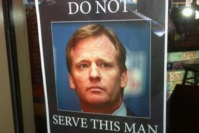 Jonathan Vilma's Restaurant Features 'Do Not Serve Roger Goodell' Sign