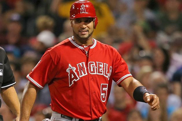 Albert Pujols Departs Game Due to Right Calf Tightness