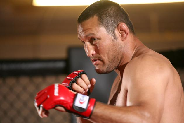 Dan Henderson Injury: Partially Torn MCL Saves Hendo Beatdown From Jon Jones